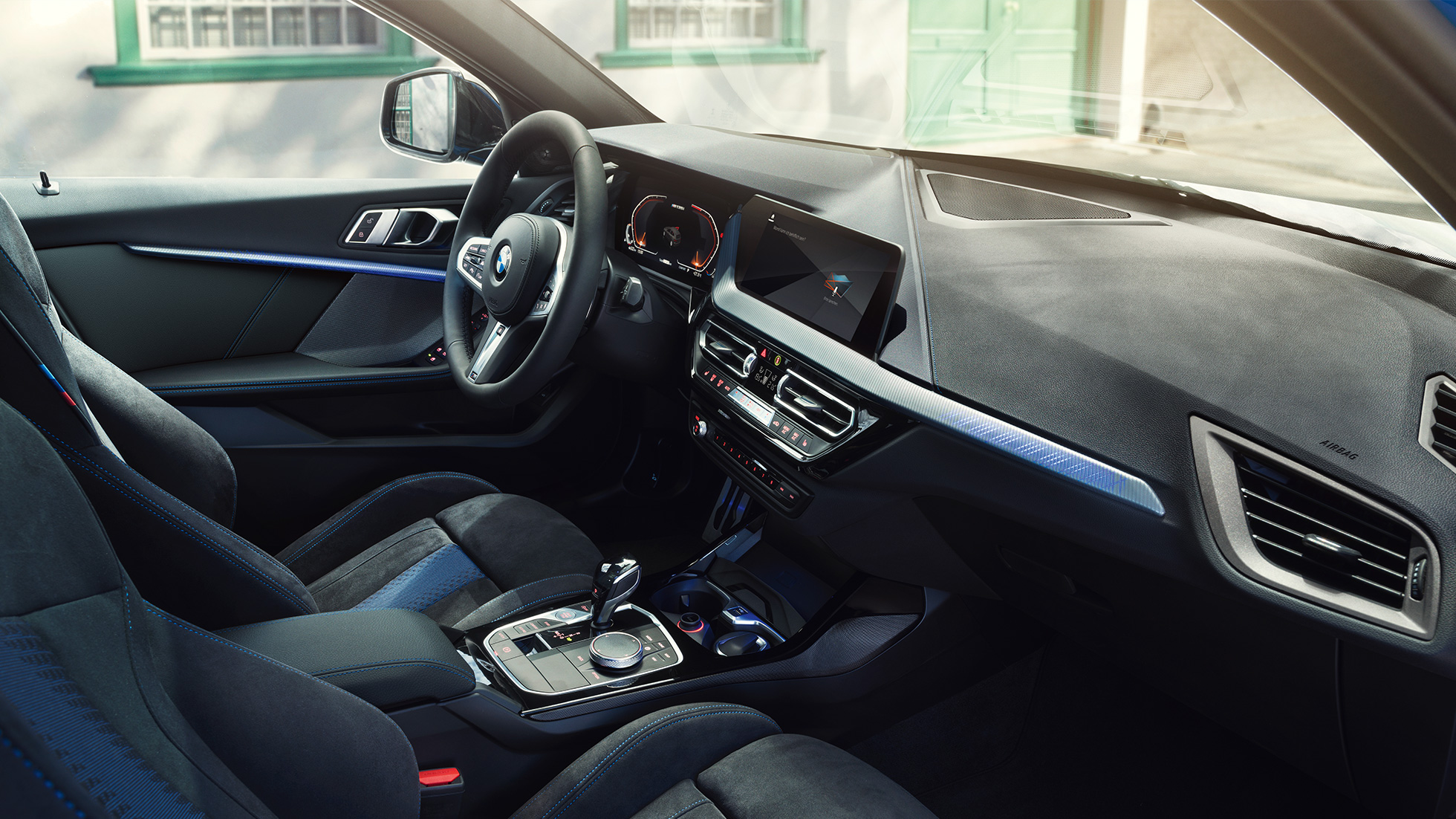 2018 - [BMW] Série 1 III [F40-F41] - Page 19 Bmw-1-series-inspire-mg-exterior-interior-desktop-05