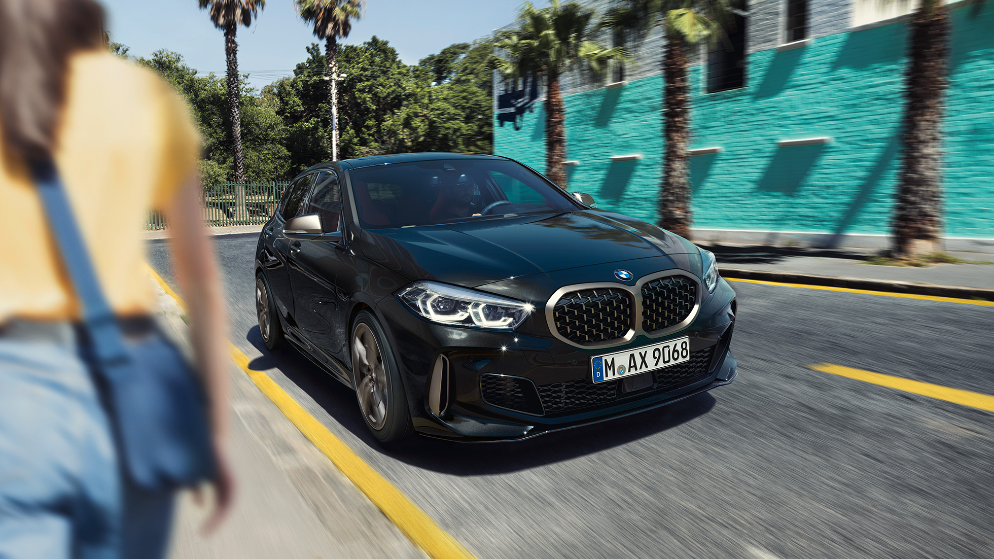 2018 - [BMW] Série 1 III [F40-F41] - Page 19 Bmw-1-series-m135i-inspire-mg-exterior-interior-desktop-01